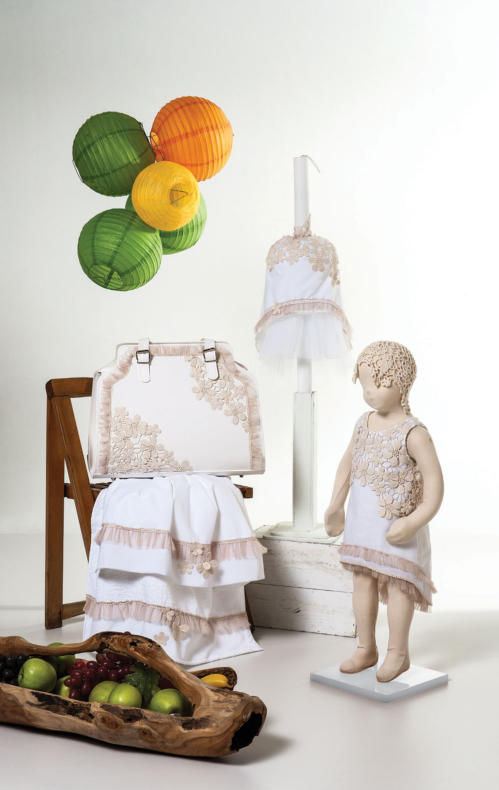 1403 - φορεματάκι λευκό λινό με μπεζ κιπούρ δαντέλα