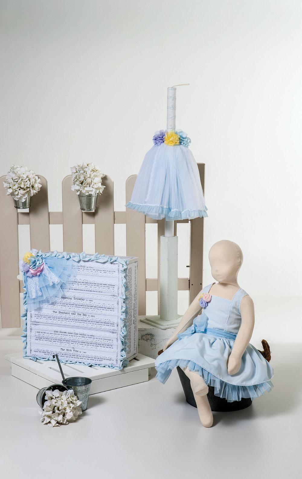 1420 - φόρεμα από σιέλ μουσελίνα και χειροποίητα λουλούδια