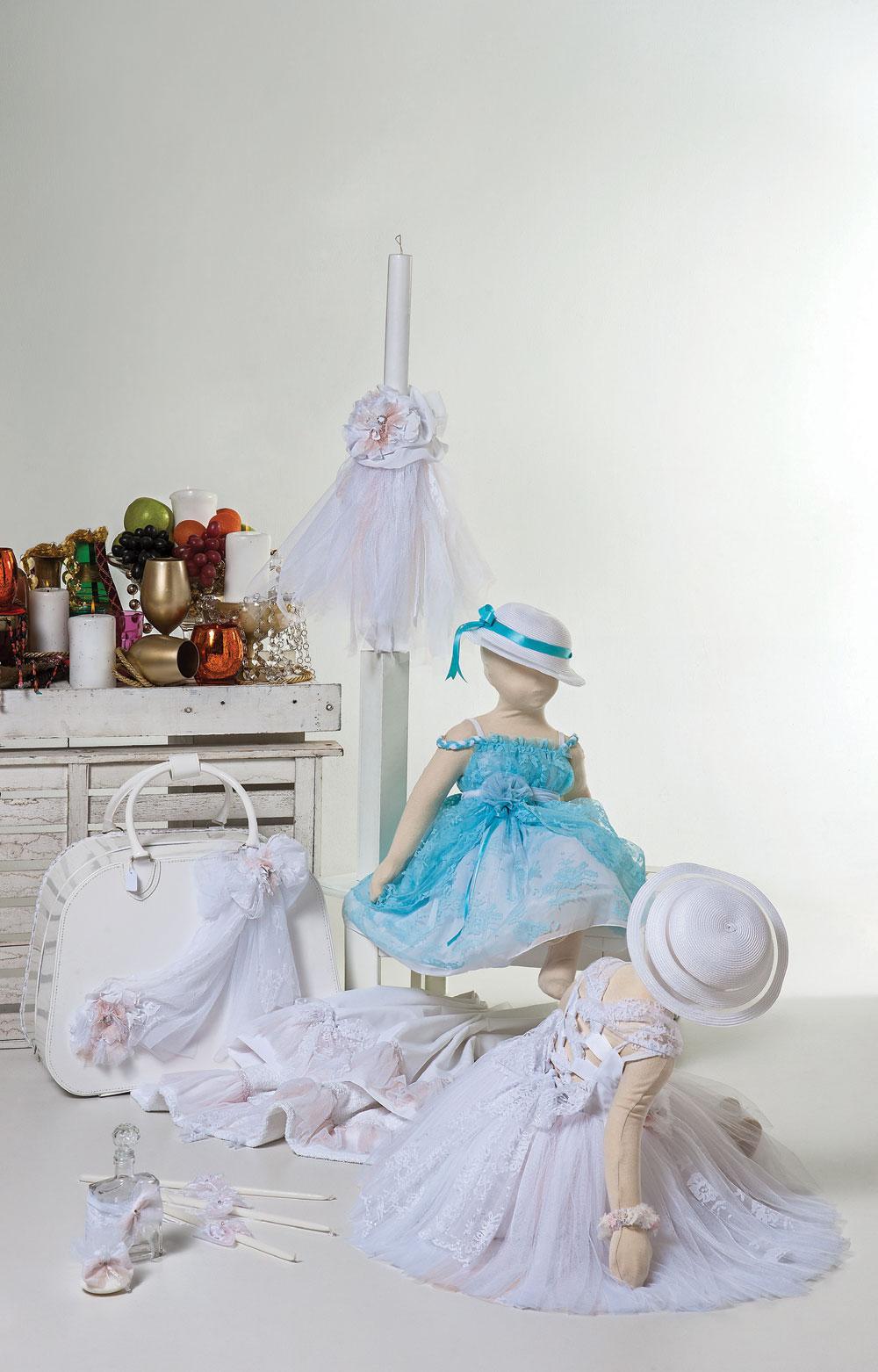 1434 φόρεμα aqua με διπλή δαντέλα -1405 φόρεμα τούλινο λευκό με σομόν λεπτομέρειες και ιδιαίτερη πλάτη